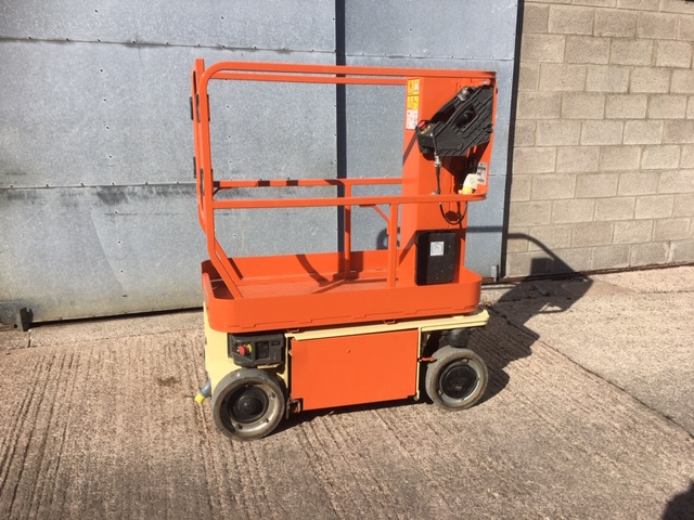 Image of 2010 JLG 1230ES Electric Scissor Platform